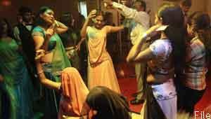 mumbai dance bar girls