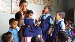 कोरवा जनजाति के बच्चे स्कूल में