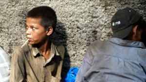 नशे बाज बच्चे-रायपुर