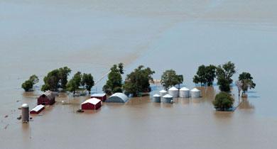 बाढ़ की चपेट में भारत आपदा